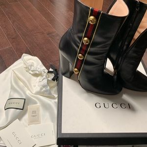 GUCCI CARLY BLOCK HEEL BOOTIES